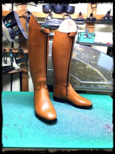 longboots-front fastener-camel