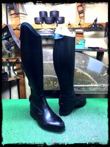 longboots-edging darkgreen