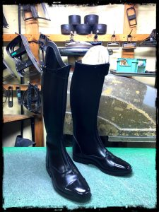 longboots-newpolotype-edging