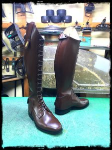 longboots-lace-up brown